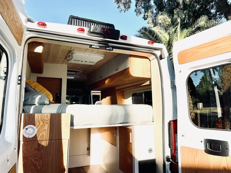 Picture 5/9 of a Joe - The home on wheels by Mybushotel for sale in Las Vegas, Nevada