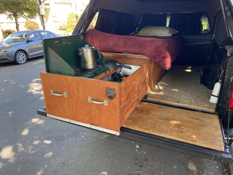 Picture 1/26 of a 2006 Ford F-150 Camper Truck for sale in Fairview, Oregon