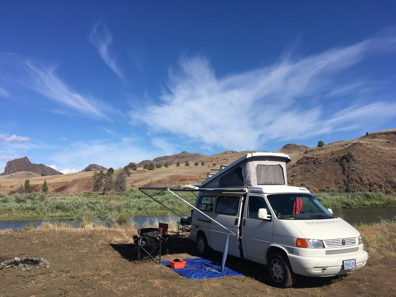 Picture 5/5 of a 1997 Eurovan Winnebago Camper for sale in Portland, Oregon