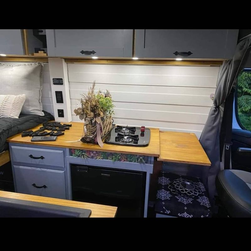 Picture 6/8 of a Beautiful new conversion! 2019 Promaster.  for sale in Slatington, Pennsylvania