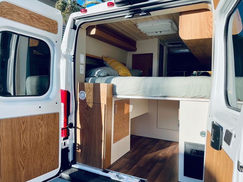 Picture 2/9 of a Joe - The home on wheels by Mybushotel for sale in Las Vegas, Nevada