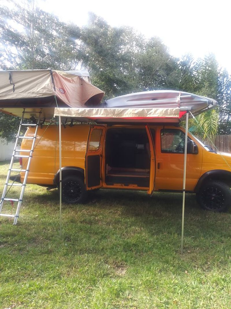 Picture 2/9 of a Ford E350 extended Camper van 2008 5.4 gas for sale in Tampa, Florida
