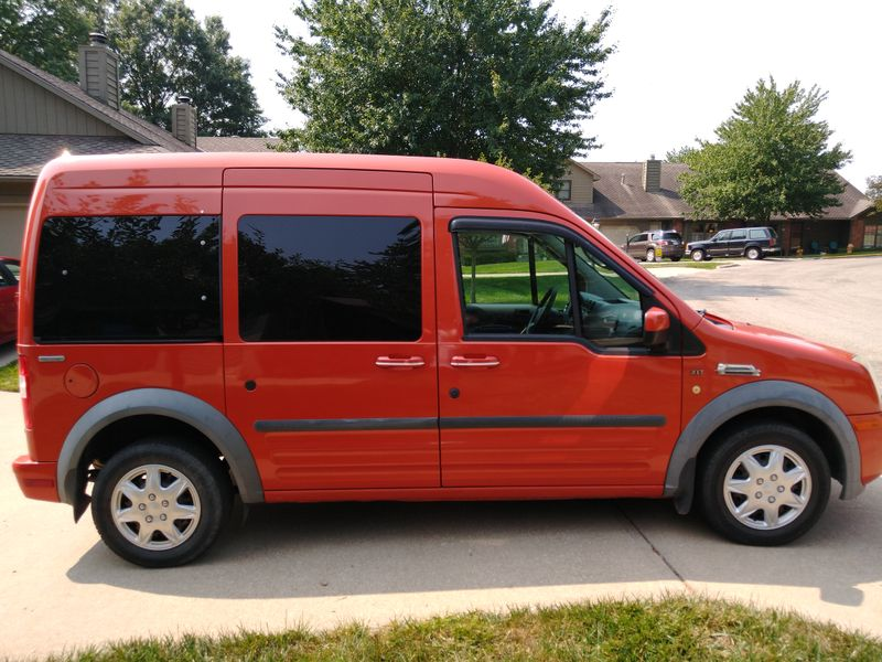Picture 2/17 of a Ford Transit Connect Premium XLT Camper for sale in Lawrence, Kansas