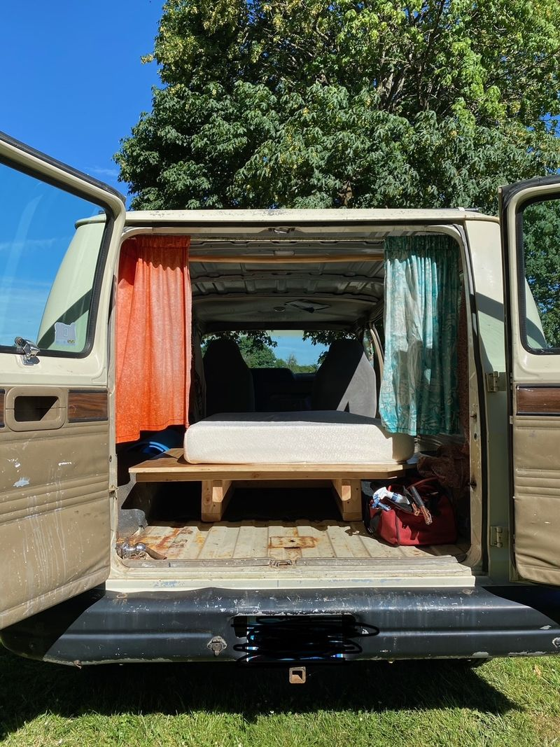 Picture 2/7 of a 1991 Dodge Van with removeable bed platform  for sale in Corvallis, Oregon
