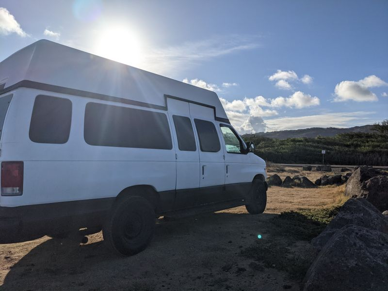 Picture 4/8 of a 1999 high top ford e350 solar powered 2000w for sale in Honolulu, Hawaii