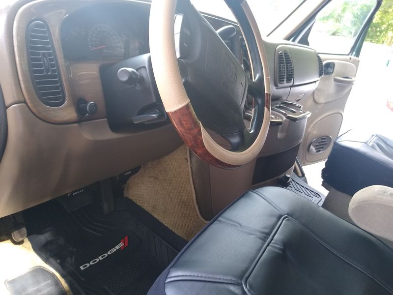 Picture 5/28 of a 2003 Dodge Ram Van 1500 Regency Edition for sale in Tallahassee, Florida