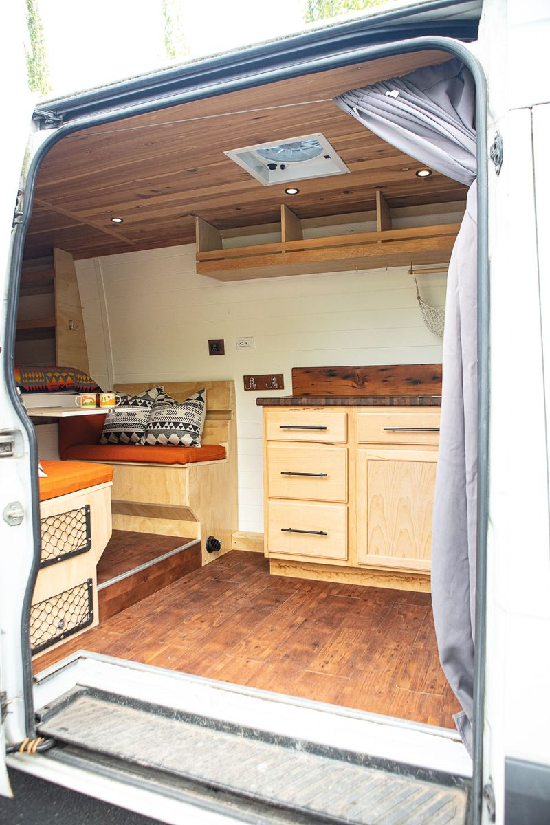 Picture 2/16 of a SALE PENDING Freightliner Sprinter 2500 Van for sale in Portland, Oregon