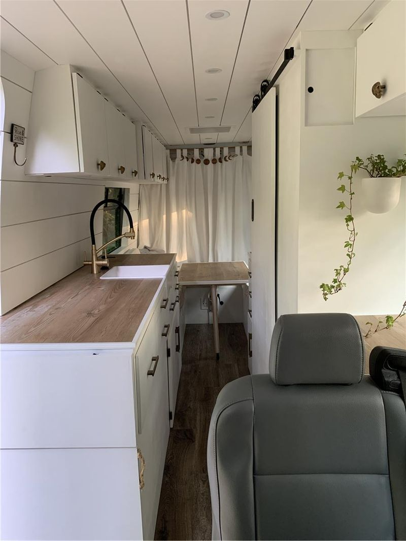 """Picture 4/25 of a 2019 Mercedes Sprinter 4x4 High Roof 170"""" Extended for sale in Worcester, Massachusetts"""
