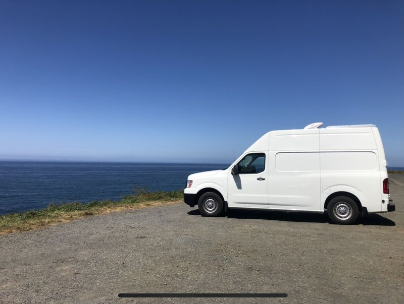 Picture 4/18 of a 2018 Nissan NV2500 High Roof Cargo Van for sale in Portland, Oregon