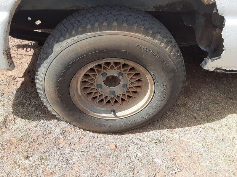Picture 6/8 of a 92 ford e150 bare bones for sale in Texico, New Mexico