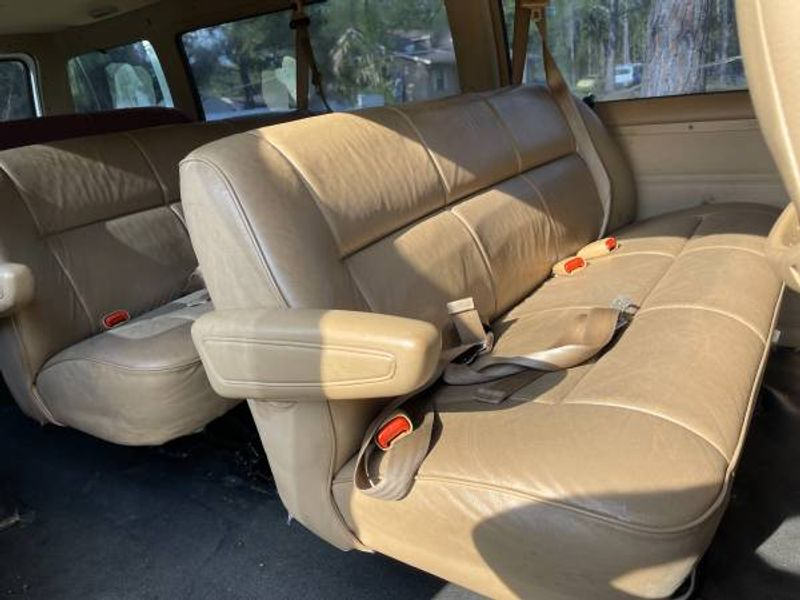 Picture 5/6 of a 2000 Dodge Ram Van 3500 5.9L for sale in Tallahassee, Florida