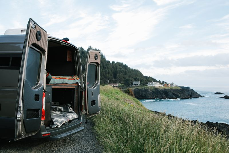 Picture 5/38 of a 2019 Mercedes Benz Sprinter Custom Campervan for sale in Portland, Oregon