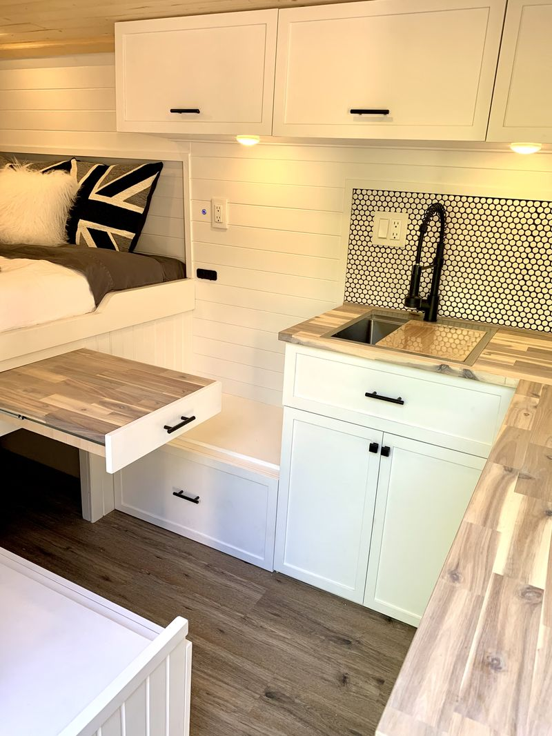 Picture 6/9 of a Spectacular 3-Passenger Camper in a 2014 Promaster for sale in Buffalo, New York