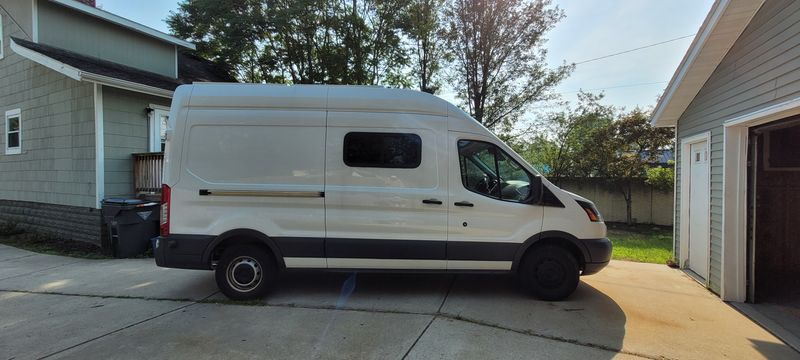 Picture 6/26 of a 2018 Ford Transit High Roof Extended Cab for sale in Clawson, Michigan