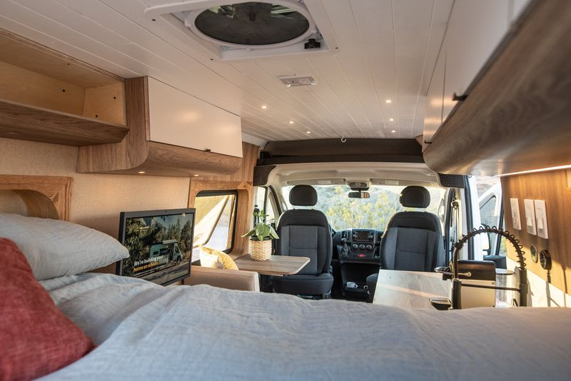 Picture 1/12 of a Leo - The home on wheels by Mybushotel for sale in North Las Vegas, Nevada