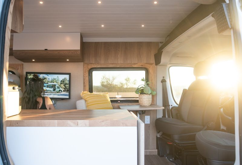 Picture 6/12 of a Leo - The home on wheels by Mybushotel for sale in North Las Vegas, Nevada