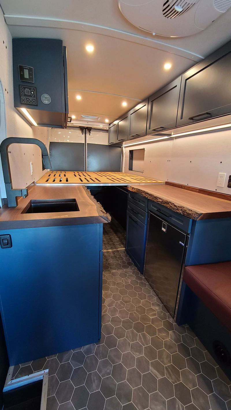 Picture 4/19 of a 2020 AWD Four Season Adventure Van for sale in Boulder, Colorado