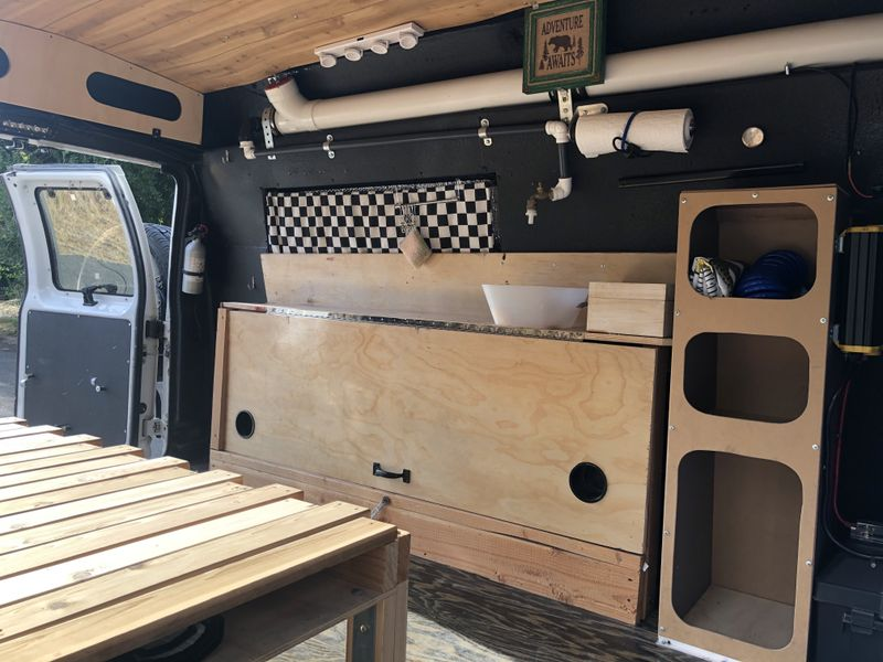 Picture 5/19 of a 2004 Ford E150 Campervan for sale in Portland, Oregon