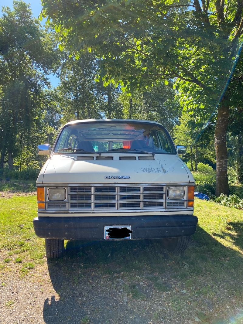 Picture 5/7 of a 1991 Dodge Van with removeable bed platform  for sale in Corvallis, Oregon