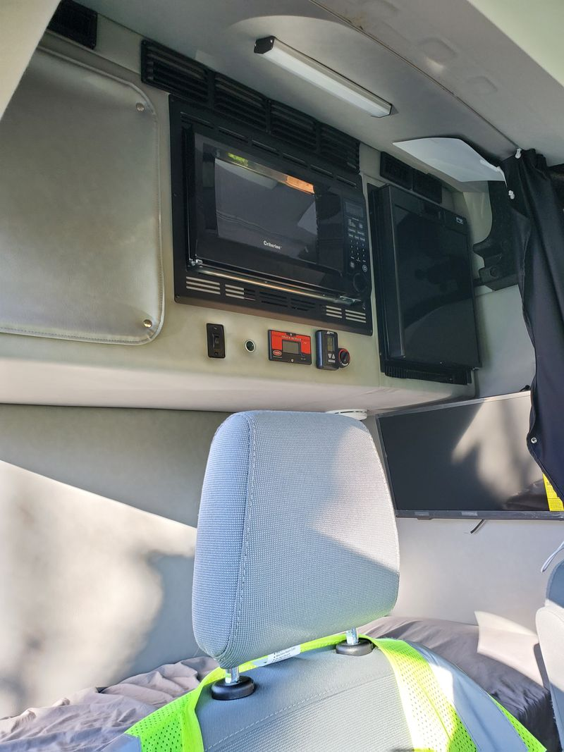 Picture 5/15 of a 2018 Ford Transit 250 High Roof Medium Length Full Sleeper with Cargo Bay  for sale in Asheville, North Carolina