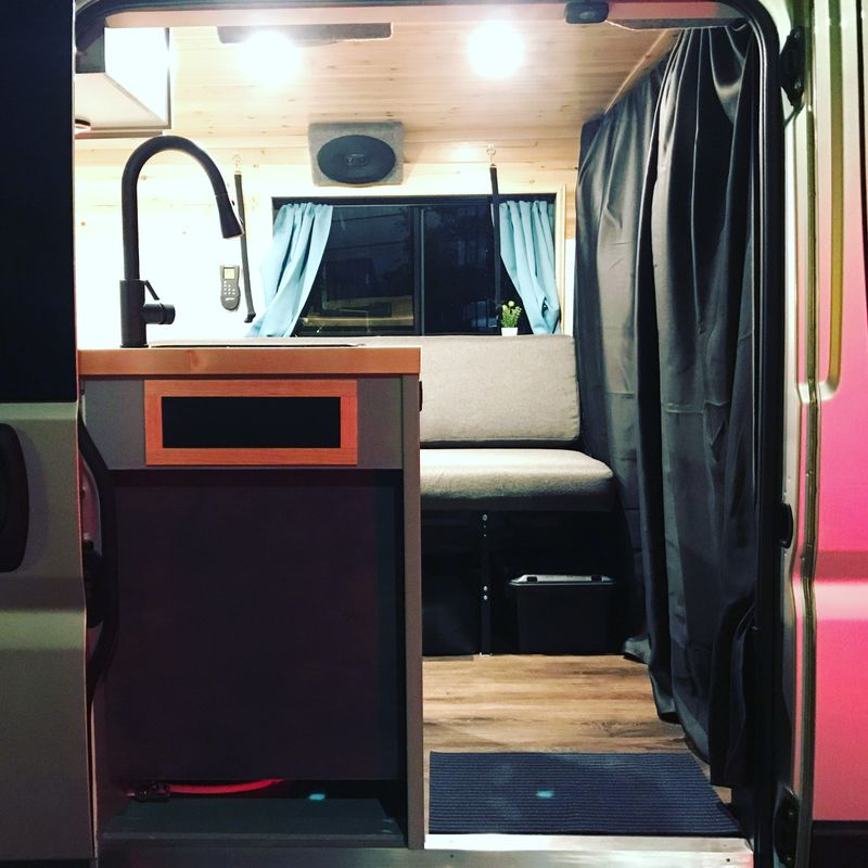 Picture 5/10 of a Ramanda Campervan - Perfect for a couple! for sale in Salt Lake City, Utah