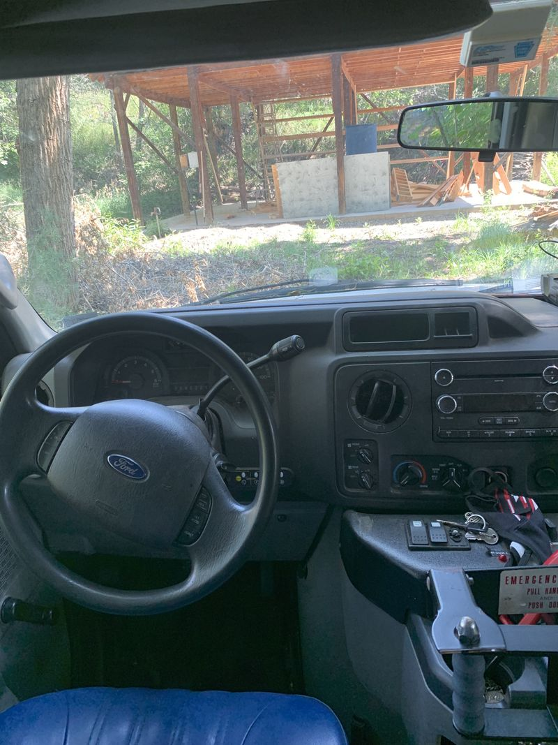 Picture 4/19 of a Spacious Ford e450: Sleeps 4 for sale in Durango, Colorado
