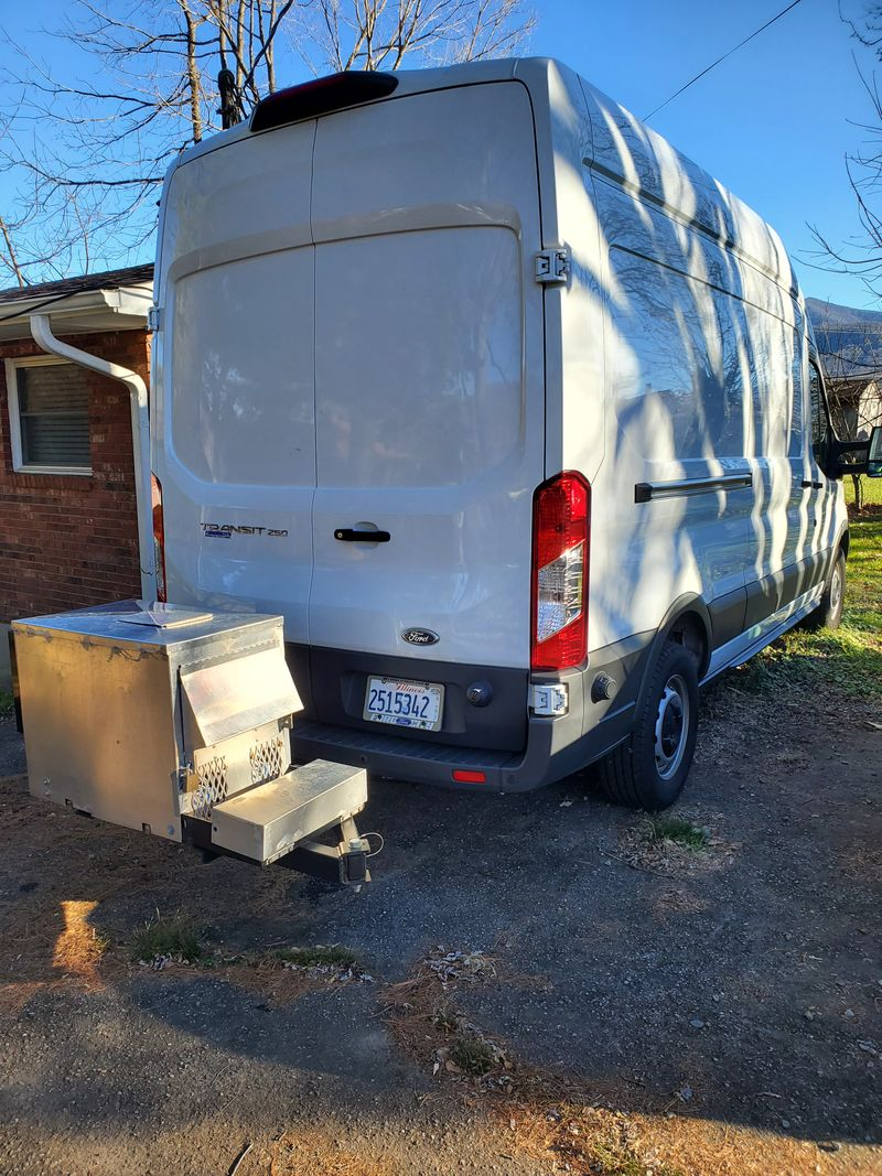Picture 4/15 of a 2018 Ford Transit 250 High Roof Medium Length Full Sleeper with Cargo Bay  for sale in Asheville, North Carolina