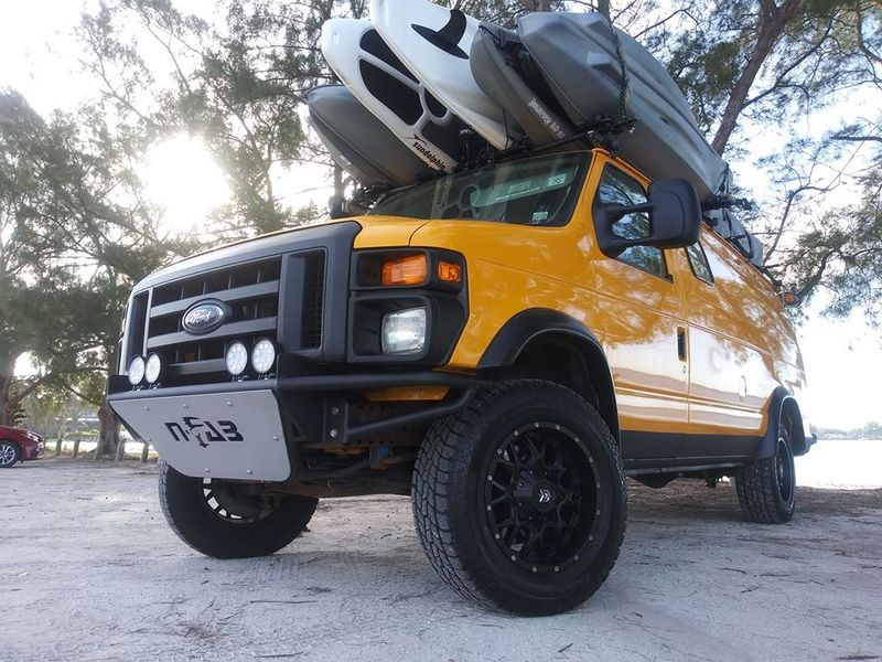 Picture 6/9 of a Ford E350 extended Camper van 2008 5.4 gas for sale in Tampa, Florida