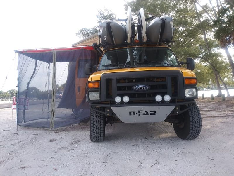 Picture 3/9 of a Ford E350 extended Camper van 2008 5.4 gas for sale in Tampa, Florida