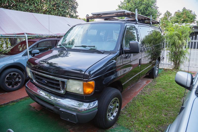 Picture 2/23 of a 2006 Ford E-350 85k miles for sale in Miami, Florida