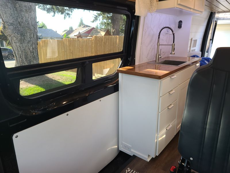 Picture 3/20 of a 2020 Mercedes Sprinter 170 4x4 for sale in Beaverton, Oregon