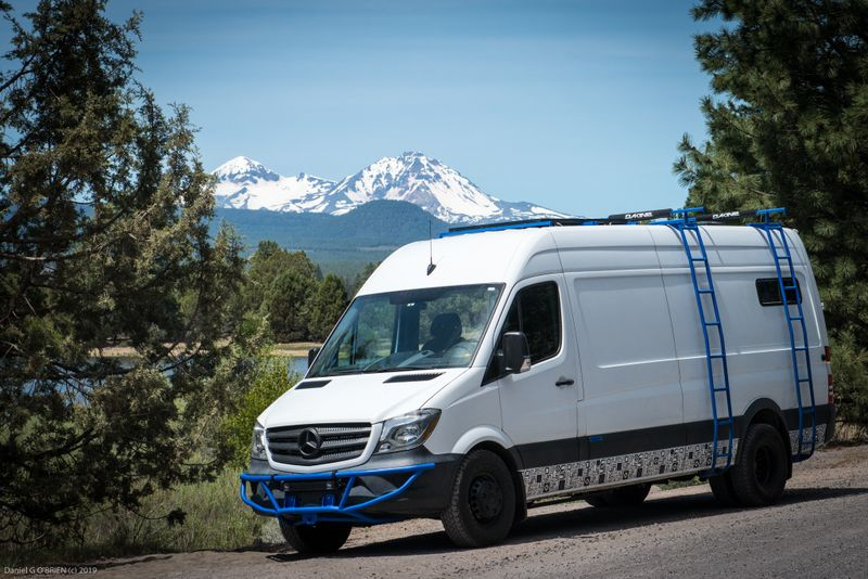 Picture 6/18 of a Mercedes-Benz Sprinter 3500 Outside Van for sale in Bend, Oregon