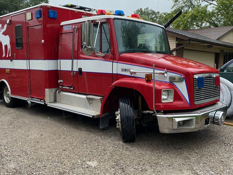 Picture 2/12 of a The MOOSE - Ultimate Ambulance Conversion -Seats 5 for sale in Cincinnati, Ohio