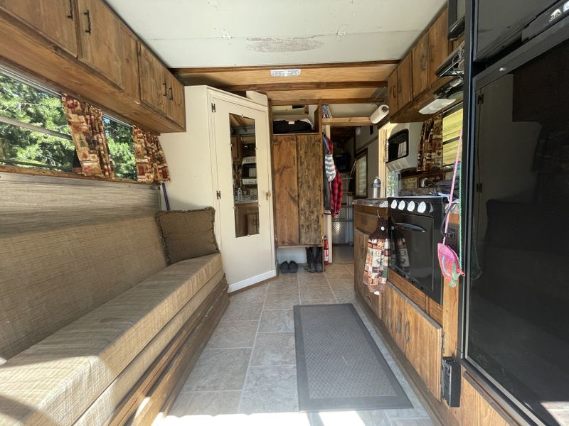 Picture 6/7 of a 1990 U-haul conversion 4x4 turbo diesel  for sale in Twin Falls, Idaho
