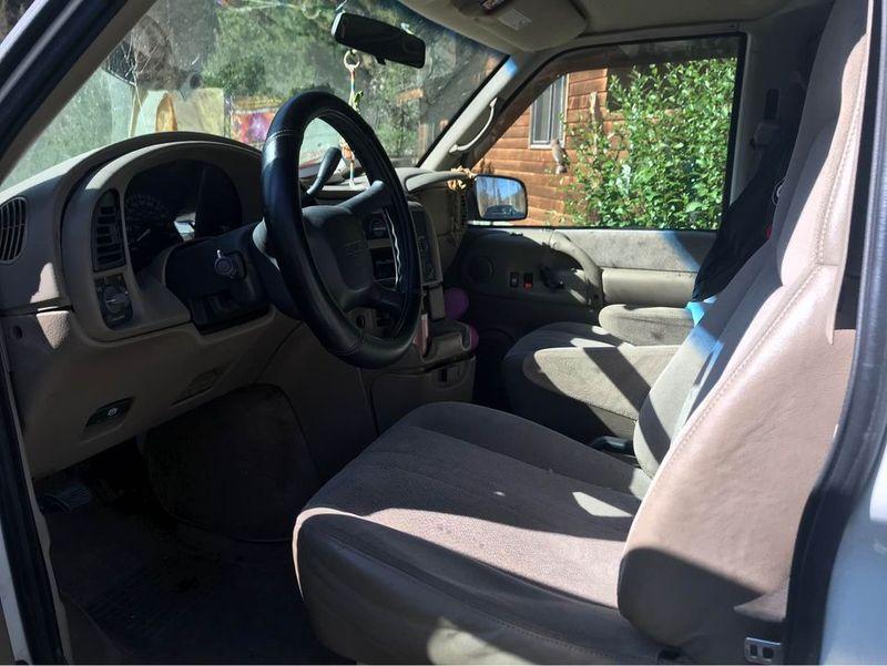 Picture 4/13 of a 2000 GMC Safari  for sale in Cleveland, Ohio