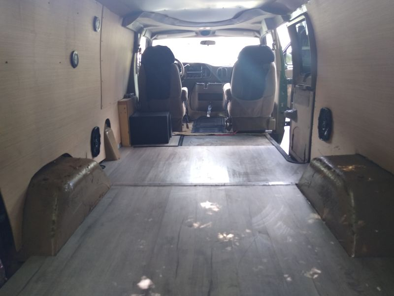Picture 4/28 of a 2003 Dodge Ram Van 1500 Regency Edition for sale in Tallahassee, Florida