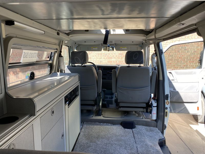 Picture 6/9 of a 2000 Eurovan Camper for sale in Longmont, Colorado