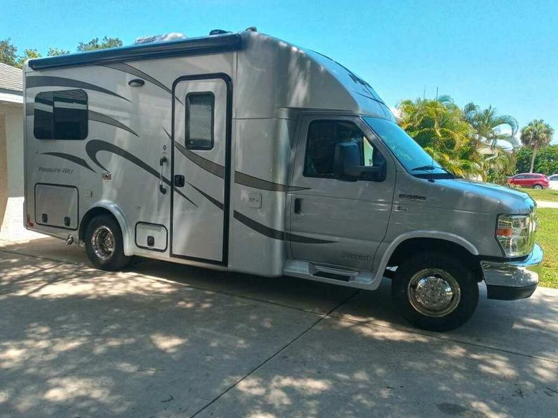 Picture 2/13 of a 2014 Pleasure-Way Pursuit for sale in Port Charlotte, Florida