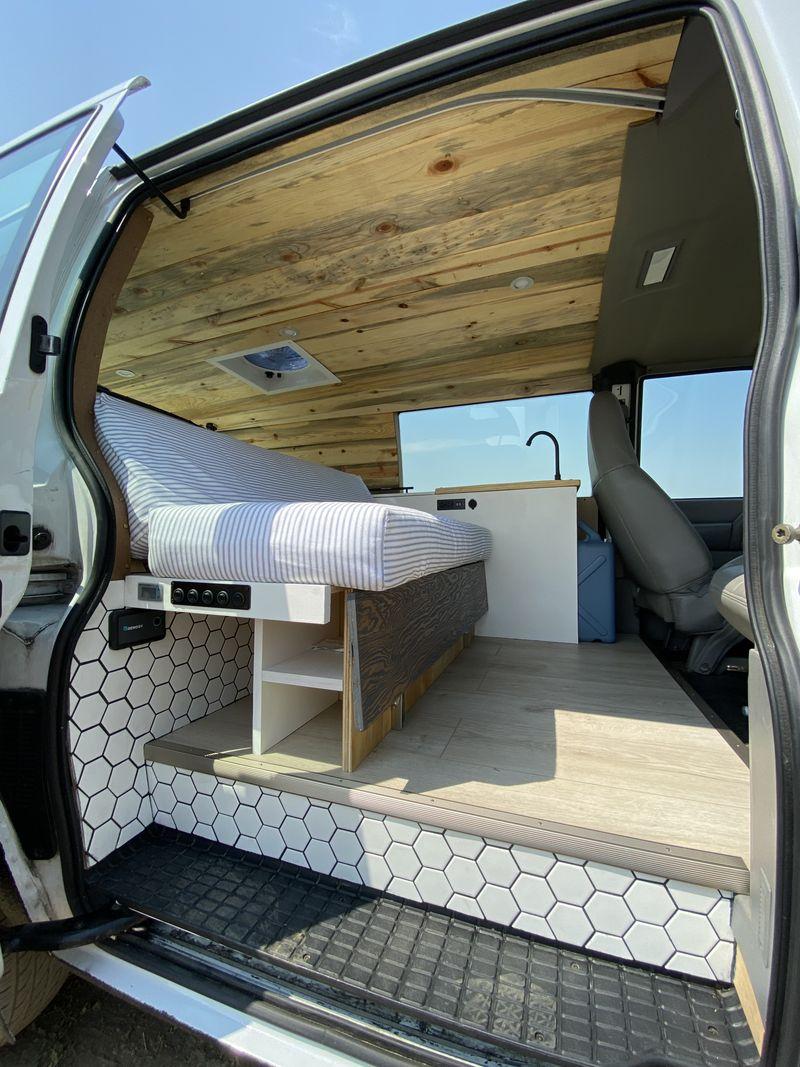 Picture 6/19 of a Clean and stylish Safari camper van  for sale in Davis, California