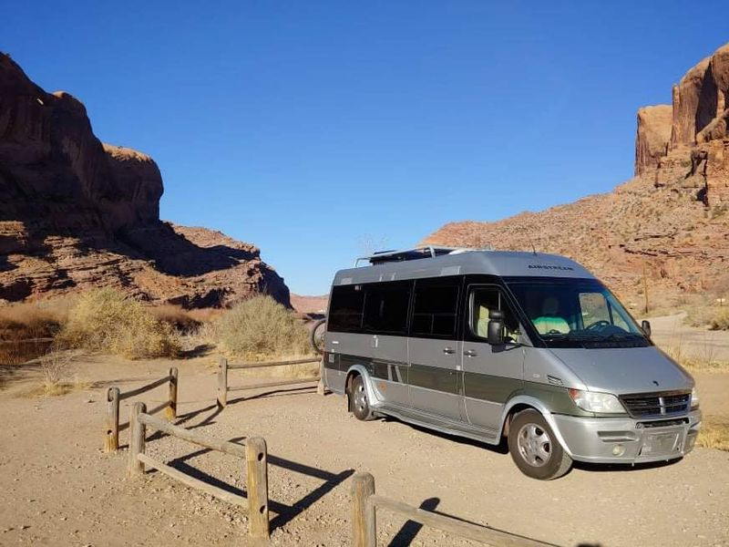Picture 6/11 of a 2007 Airstream Interstate for sale in Steamboat Springs, Colorado