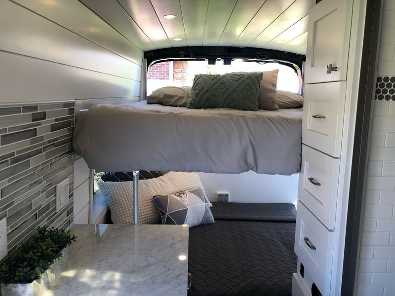 Picture 6/12 of a A/C 640 watts, shower, Electric Bed, Sleeps four, for sale in Rockland, Idaho