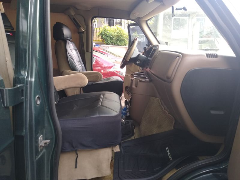 Picture 6/28 of a 2003 Dodge Ram Van 1500 Regency Edition for sale in Tallahassee, Florida