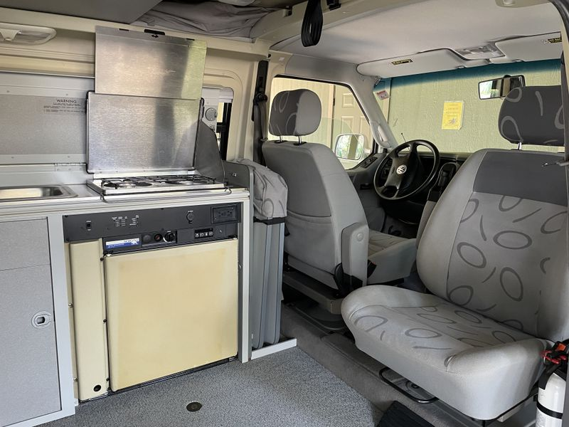 Picture 4/9 of a 2000 VW Eurovan Winnebago Full Camper for sale in Bend, Oregon