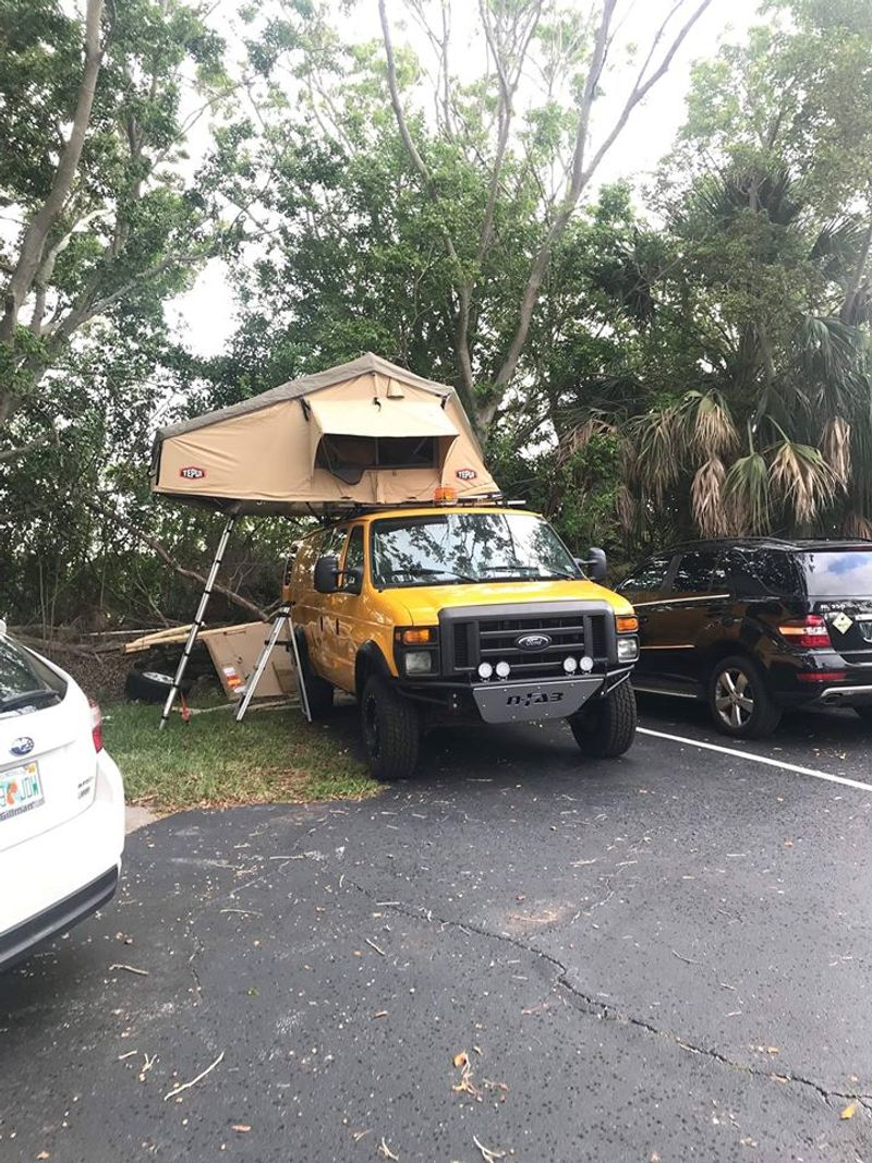 Picture 5/9 of a Ford E350 extended Camper van 2008 5.4 gas for sale in Tampa, Florida