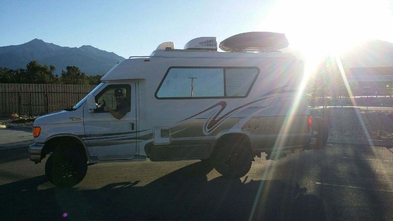 Picture 4/12 of a 2004 4x4 Chinook Concourse  for sale in Denver, Colorado