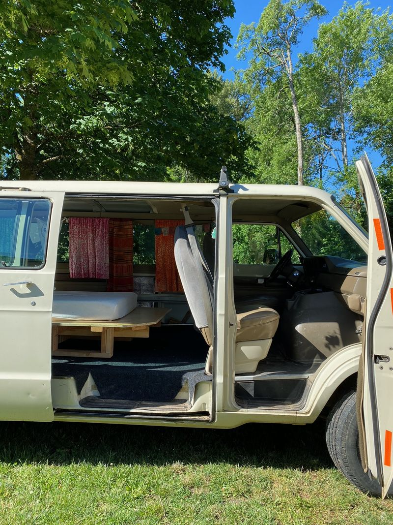 Picture 6/7 of a 1991 Dodge Van with removeable bed platform  for sale in Corvallis, Oregon