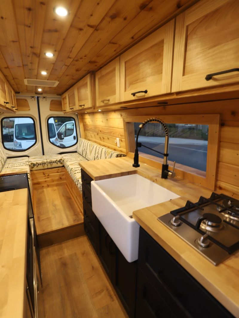 Picture 6/21 of a 2019 Mercedes Sprinter Conversion for sale in Austin, Texas