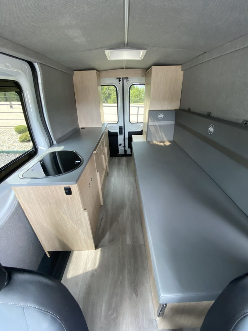 Picture 5/18 of a 2021 Ford Transit 250 AWD for sale in Villa Ridge, Missouri