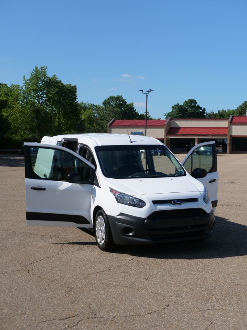 Picture 3/15 of a Ford Transit Connect LWB XL for sale in East Pittsburgh, Pennsylvania