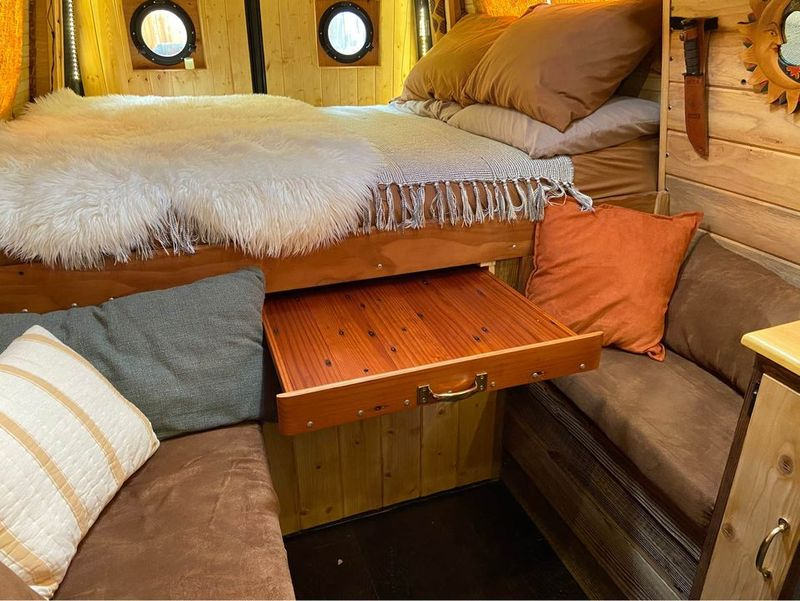 Picture 3/9 of a 008 Beautiful Mercedes Sprinter Conversion for sale in Palmdale, California